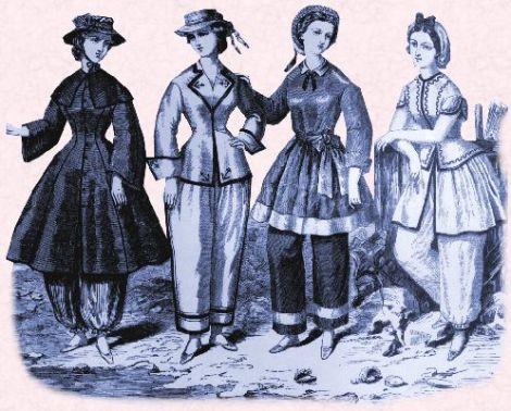 Figurín con propuestas de ropa de playa
